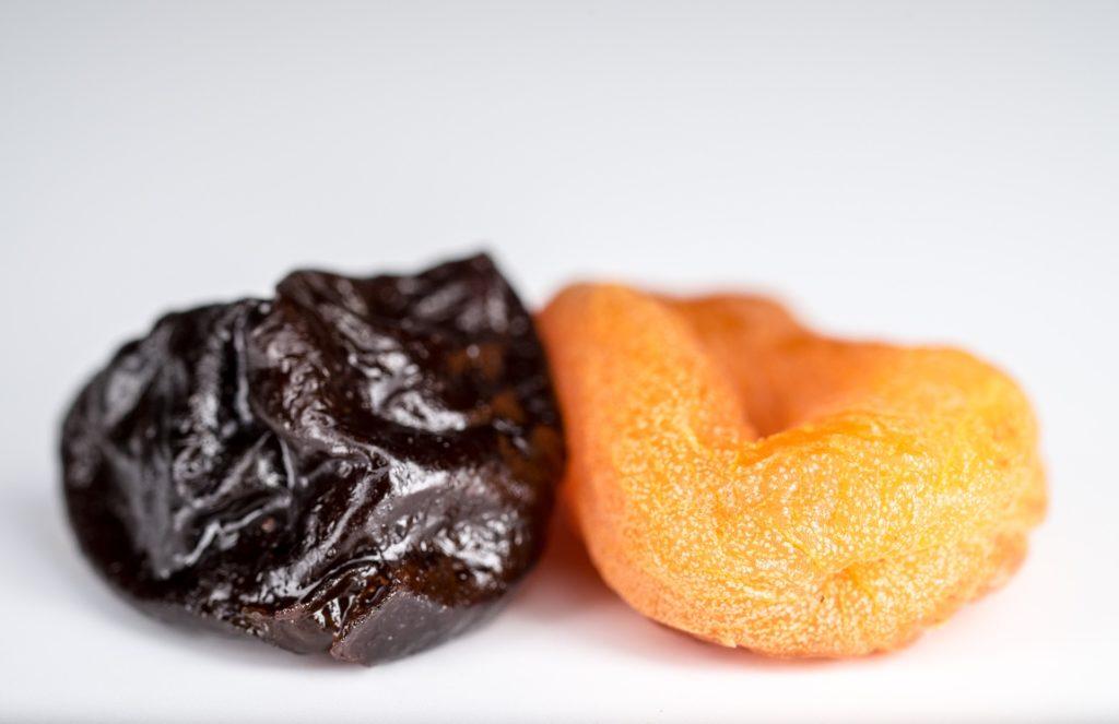 десерт из чернослива и грецких орехов 1 фото