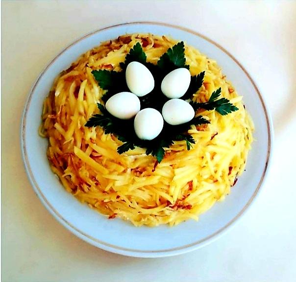 Новогодние рецепты. Салат перепелиное гнездо